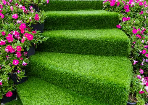 artificial-grass-stairs