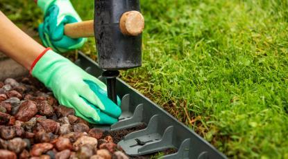 Metal vs Plastic Lawn Edging